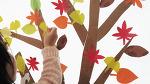 색종이 낙엽 놀이와 박스 종이로 가을 나무 만들기