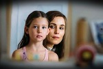 그 아이가 자신의 딸이라는 믿음으로 시작된 그녀의 광기 어린 집착 / 영화: 엔젤 오브 마인