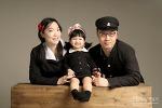 어린이집 입학기념으로 찍은 옛날 교복 가족사진