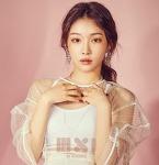 아이돌 중 가장 핫한 실력파 여자 솔로 가수 청하-시선 강탈하는 춤통령