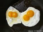 놀라운 달걀, 10개입 달걀이 모두 쌍란이다