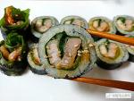 간단한 재료로 만드는 '삼겹살 김밥' 레시피