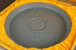 AE96. 도자기 반 - 여기저기 알튐 및 가마유가 보여짐 (390g)