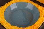 AE156. 도자기 반 - 여기저기 알튐 및 가마유가 보여짐 (460g)