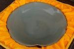 AE176. 도자기 반 - 여기저기 알튐 및 가마유가 보여짐 (196g)