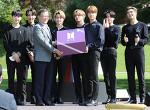 """BTS, 청와대 연설 """"멈추지 않고 계속 씩씩하게 걸어가시길"""""""