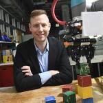 로봇 가르치기 VIDEO: Teaching robots through positive reinforcement
