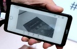 전자잉크화면을 쓴 중국 하이센스A5, A6 스마트폰 뉴스
