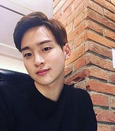 배우 장동윤과 짝꿍 <br>하고 싶은 팬 모여라