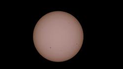 국제우주정거장과 우주왕복선 엔데버 호의 태양면 통과
