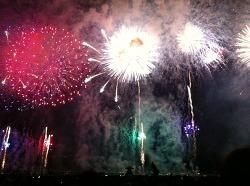 4만발을 쏘아올리는 스와코 호수 불꽃놀이