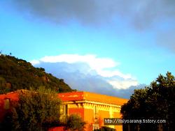 에트나의 화산도시이자 해변 휴양도시 에시레알레(Acireale)