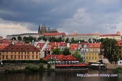 한 장의 그림엽서 같은 풍경, 프라하 카를교(Karluv Most)에 서다...