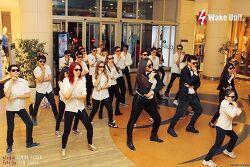 В Баку прошёл флэшмоб на новый зажигательный хит от PSY «Gentleman»!