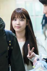 2012 11 03 김포공항 입국 아이유 직찍