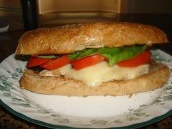 직장 여성들을 위한 다이어트용 런치 샌드위치와  건강 팁