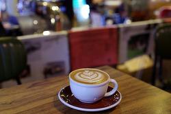 커피의 '보며 마시는 즐거움'에 빠지다