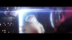 """추락 중인 탈출용 우주캡슐에서도 여유있는 이유 """"저 이번에 내려요"""" - AT&T 유버스(U-Verse) TV광고 '스페이스 캡슐/우주 캡슐(Space Capsule)'편 [한글자막]"""