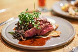 캐나다 에드먼튼 레스토랑, 현지인들이 즐겨찾는 '캔틴' 레스토랑