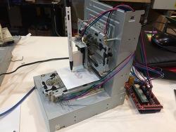 CD-ROM 드라이브와 플로피디스크 드라이브로 플로터 만들기