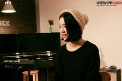"""가수 윤슬 """"음악은 제 인생을 살아가는 방법이에요."""""""