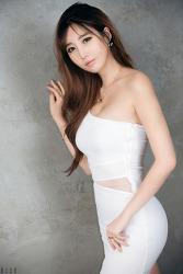 흰색 드레스가 잘 어울리는 그녀 MODEL: 신세하 (9-PICS)