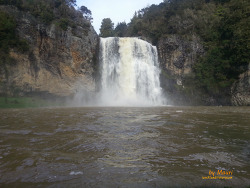 자연의 소리, 후누아 폭포