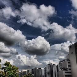 구름...