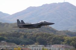이륙중인 F-15