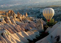 스머프 마을의 모태(母胎), 카파도키아(Cappadocia)