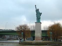 프랑스 파리 세느강 유람선 바토무슈 Bateaux Mouches + 몽쥬약국