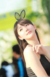 2013 대구모터쇼 긴 머리의 연다빈 양 'ㅡ' (8-PICS)