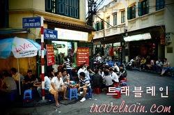 <베트남 여행, 하노이> 목욕탕 의자에 앉아 맥주를 마시다.