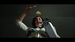 요리는 미지의 세계로 떠나는 모험과 같다! 요리의 과정을 우주 탐험에 비유한, '2001: 스페이스 오딧세이'를 연상시키는 영상이 너무나 멋진 광고 - 러팩 쿡 레인지(Lurpak Cook's Range)의 모험(Advent..