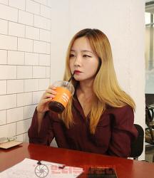 """[인터뷰] 가수 일라(Illa) """"제 색깔을 구체화시키고 춤과 노래를 취합하고 싶어요."""""""