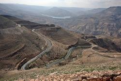 중동성지순례-- 요르단 페트라 가는 길