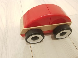 이케아 덴마크 디자인의 원목 자동차 장난감 추천 LILLAVO
