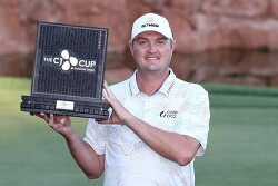 PGA 233번째 대회 만에 우승, 35살 코크랙 축포
