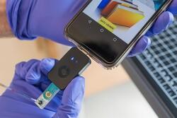 혈액 한방울로 55분만에...스마트폰용 코로나 진단칩 출시 Microfluidic Magneto Immunosensor for Rapid, High Sensitivity Measurements of SARS-CoV-2..