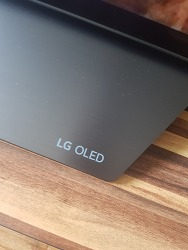 LG OLED TV에서 누전이? 드르륵 전기가 흐른다