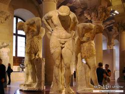 루브르 박물관 유명작품 조각 : 신화속의 남성조각 (미켈란젤로 노예상, 검투사 등)