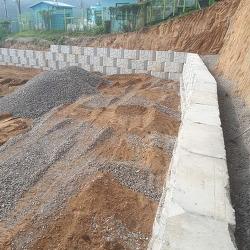 토목건축 경계면 콘크리트 블록 쌓기