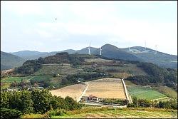 ( 군위 여행 ) 화산 (마을) 트레킹-풍력발전,해바라기꽃밭,억새 바람길 전망대