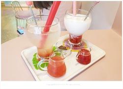 송리단길 이쁜카페 쥬쥬스(ZUZU'S)- 맛좋은 자몽에이드.딸기라떼