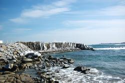 양양 남애항의 겨울바다
