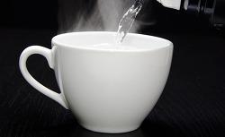 따뜻한 물 한잔의 건강 효과는?