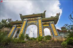 베트남 다낭 미케비치를 내려다 보고 계시는 해수 관음보살 영흥사(링엄사) / Chua Linh Ung, Danang, Vietnam
