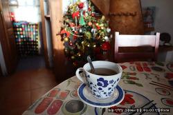 스페인 참나무집의 매년 재활용하는 트리 장식