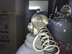 소화약제용기 - F형 밸브 구조