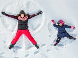 흰 눈이 펑펑! 'Let it go'가 절로 나오는 겨울 왕국 해외 광고